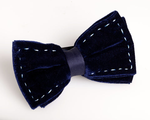 """Chivalry"" Velvet Bow Tie (Midnight Navy)"