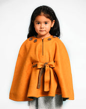 Load image into Gallery viewer, Girl Luciana Baby Alpaca Reversible Cape