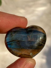Load image into Gallery viewer, Labradorite Heart 15gm
