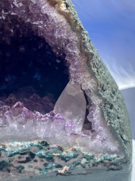 Amethyst Geode with Calcite Points 3100g