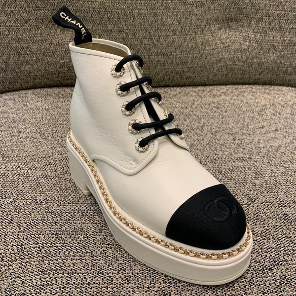 CHANEL Pre-Fall 2020 white lace up ankle boots
