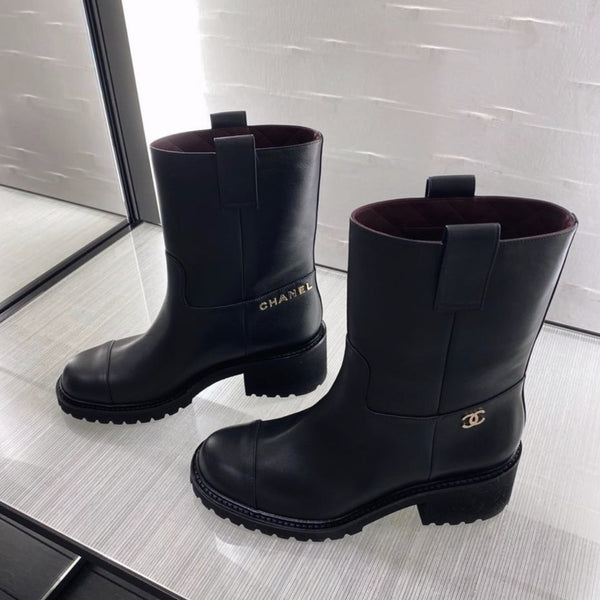 CHANEL Pre-Fall 2020 black ankle boots