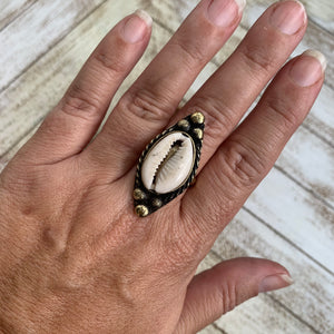 Tribal Cowrie Shell Ring - Lt Gold