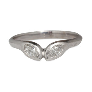 "14KT ""KISSING"" MARQUISE DIAMONDS RING, 2.8CT"