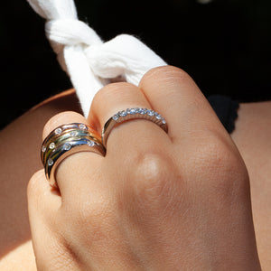 18KT & DIAMOND ANNIVERSARY BAND