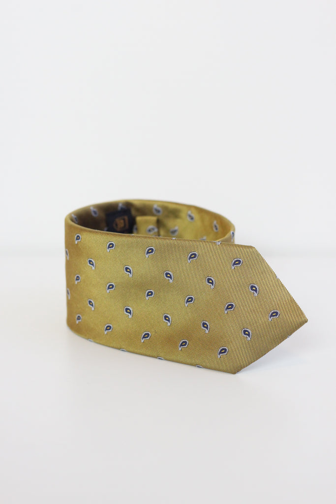 Tie MC Gold w/ Detail