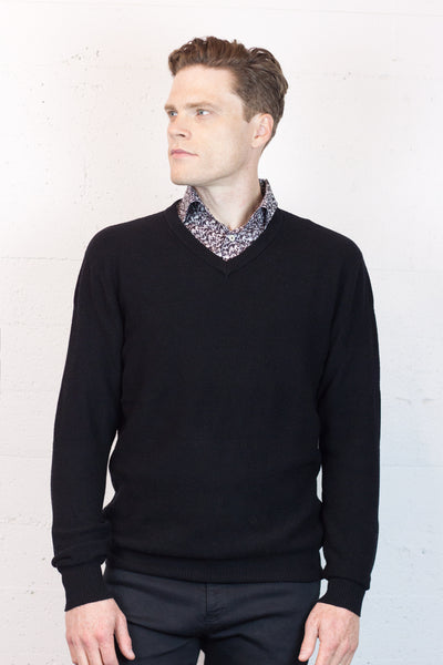 B&L Knit V Neck Black