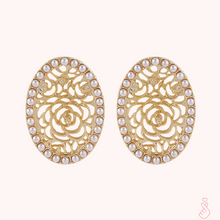Load image into Gallery viewer, C-1489 Oval Gold Cut Earrings