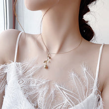 Load image into Gallery viewer, C-1454 Pearl Flower Necklace