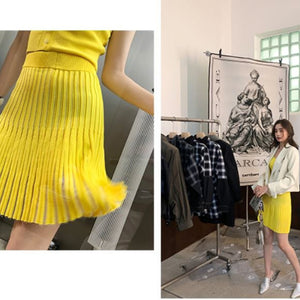 A-901 Yellow Button and Ribbed Pleated Set