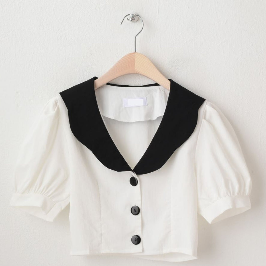 A-907 Ring Collar Cropped Blouse