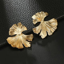 Load image into Gallery viewer, C-1100 Ginkgo Leaf Wild Earrings