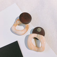 Load image into Gallery viewer, C-1006 Brown Retro Acrylic Earrings