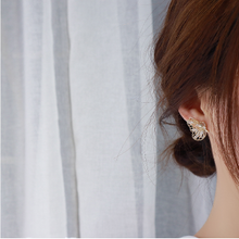 Load image into Gallery viewer, C-1368 Delicate Butterfly Wing Earrings