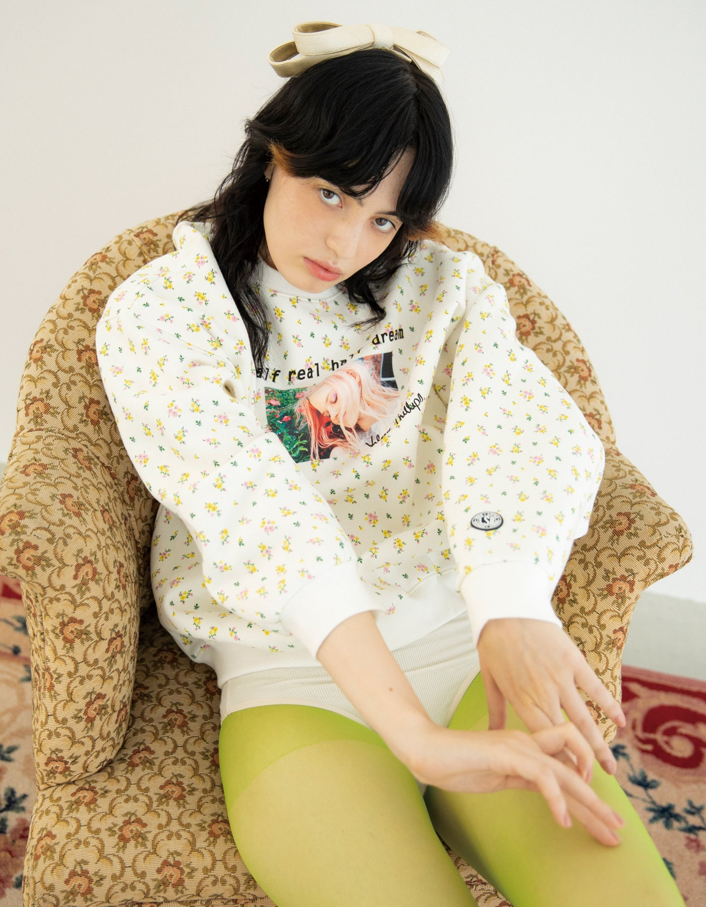 Valerie phillips × little sunny bite Floral print photo sweat top / WHITE