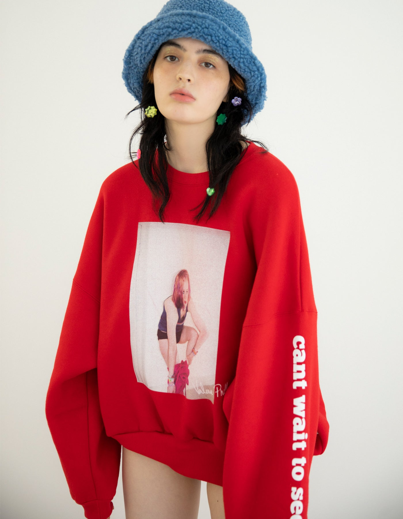 Valerie phillips × little sunny bite Photo print sweat top / RED