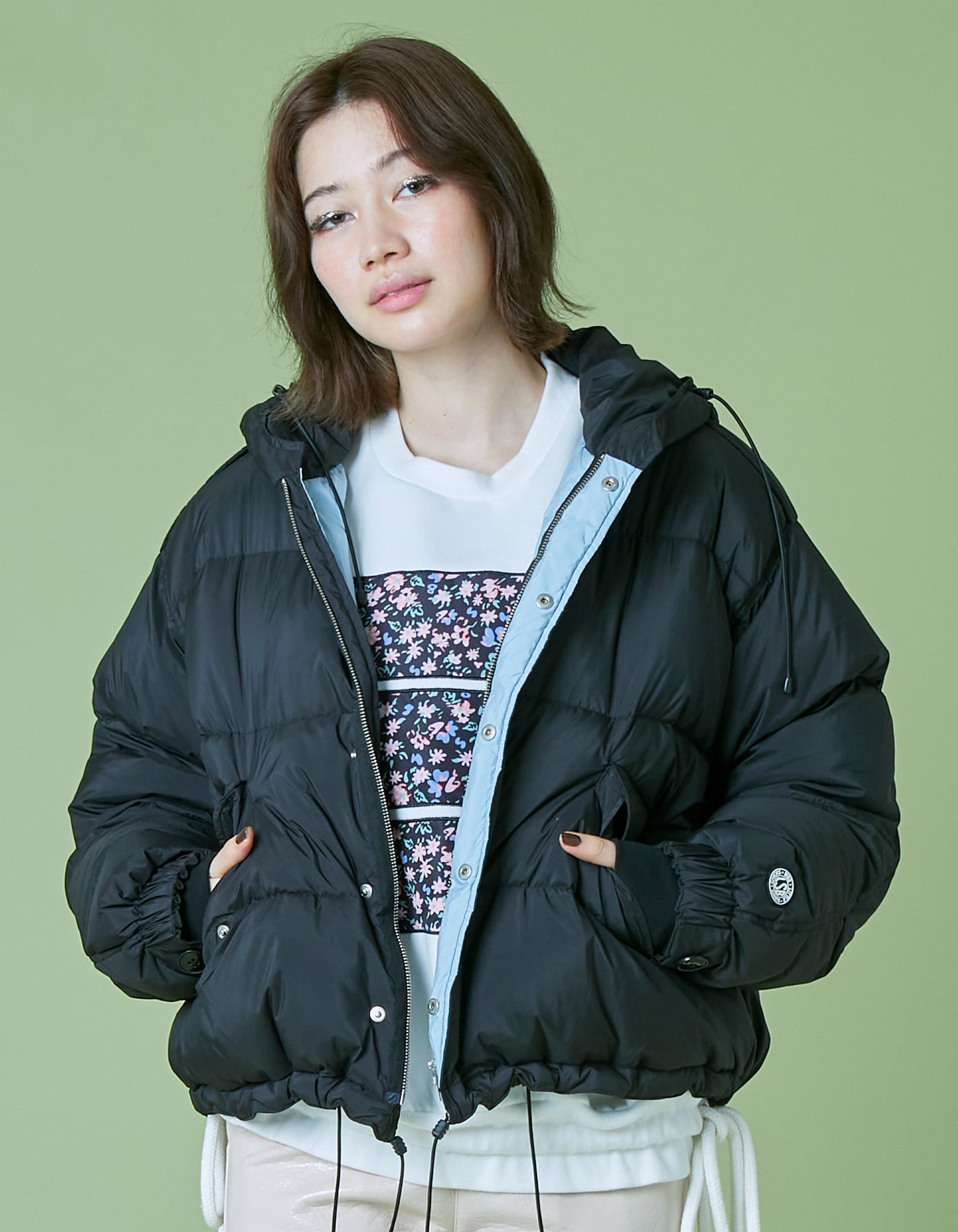 Short down jacket / BLACK