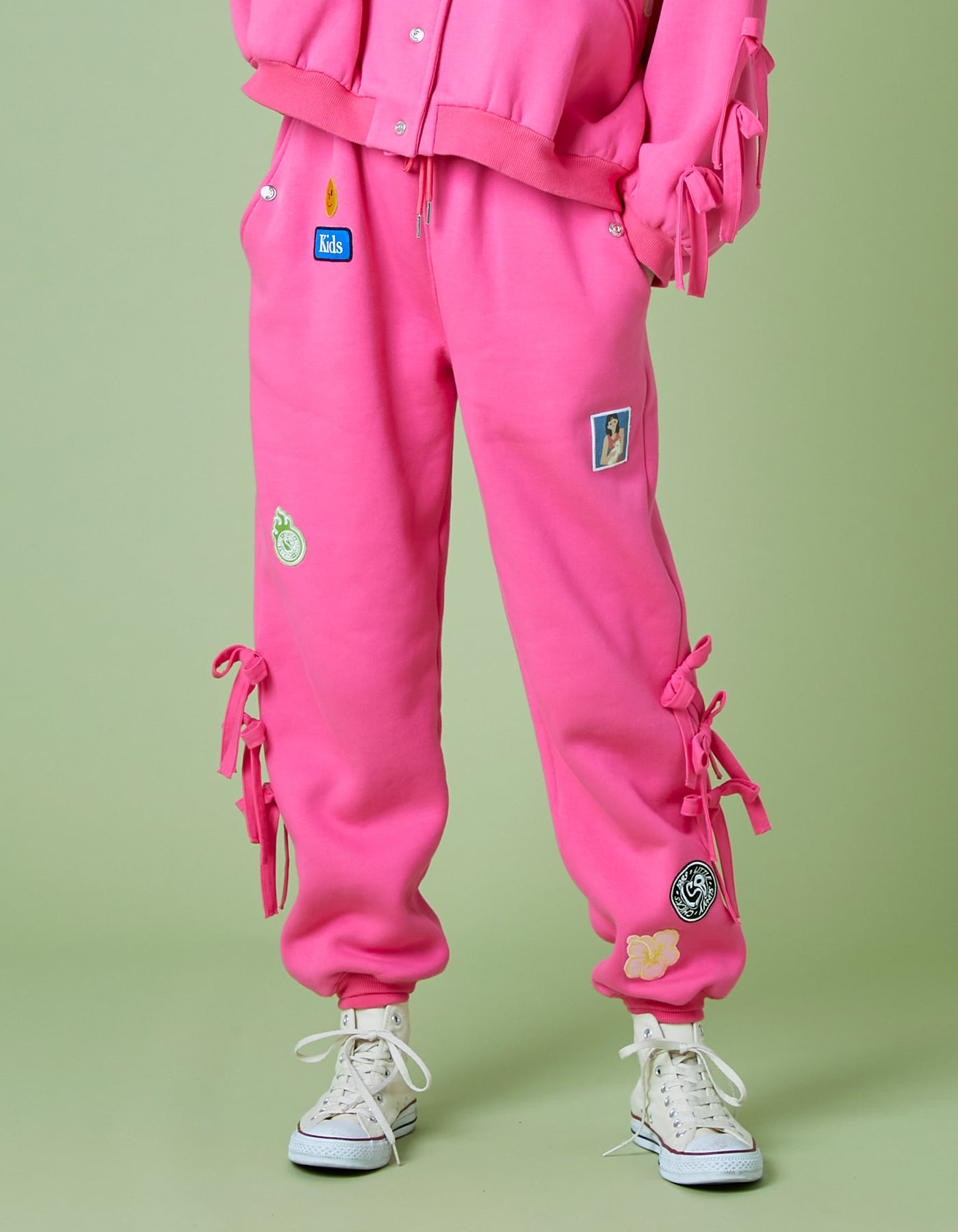 Patches all over sweat pants / PINK