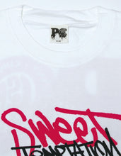 画像をギャラリービューアに読み込む, PUBLIC CULTURE X LITTLE SUNNY BITE : GRAFFITI LOGO LONG TEE / WHITE
