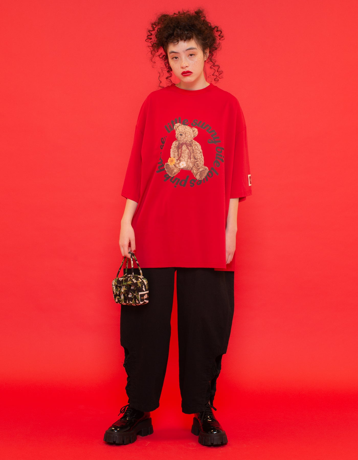 little sunny bite と pink house Bear big tee / RED