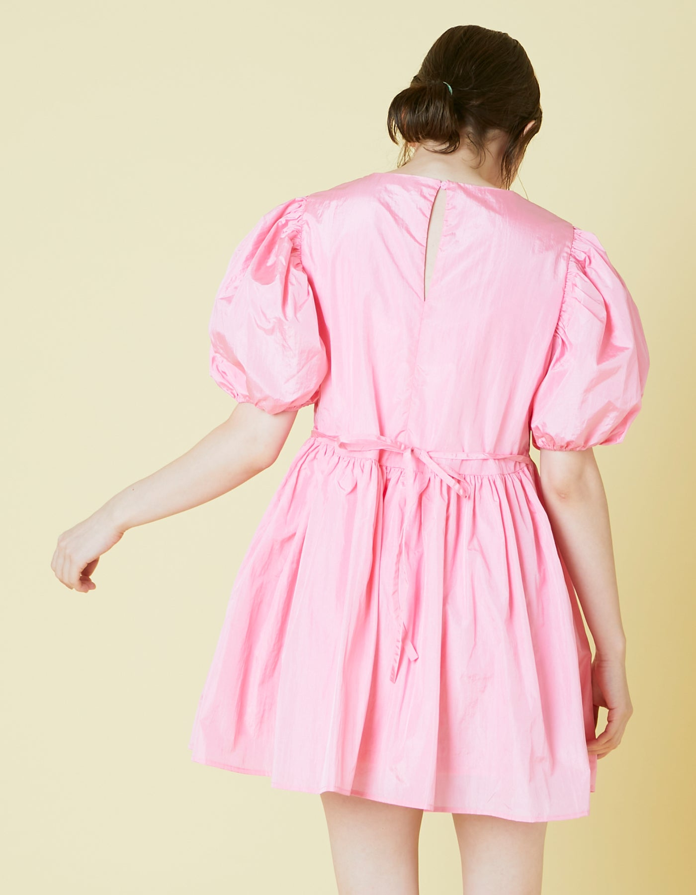 Nylon puff sleeve mini dress / PINK