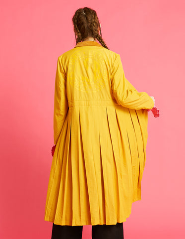 Nylon pleat long jacket / YELLOW