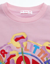 画像をギャラリービューアに読み込む, annukilpelainen x little sunny bite Logo stitched sweat top / PINK