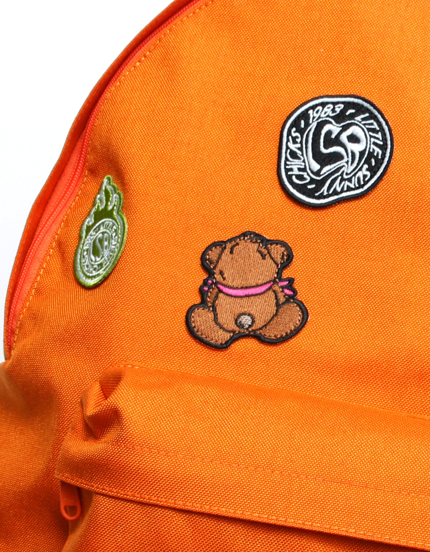 Patches all over backpack / ORANGE