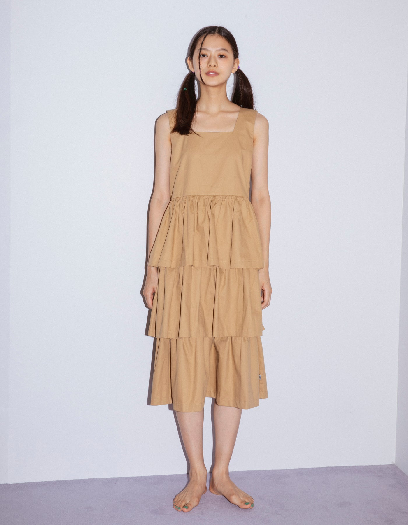 Tiered dress / BEIGE