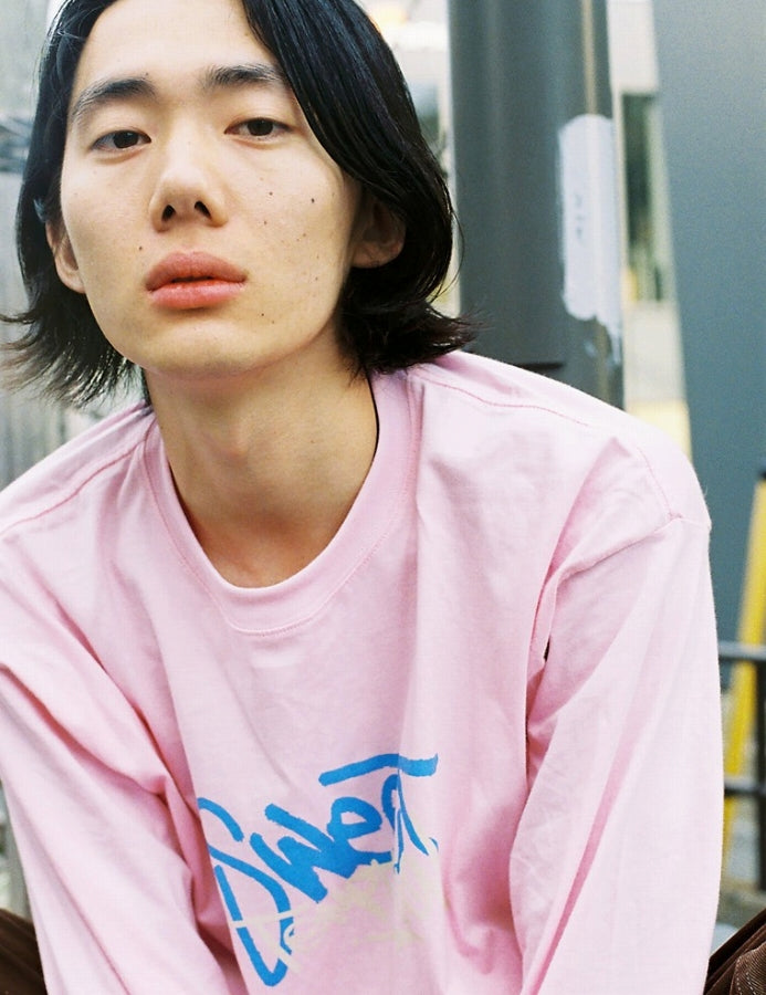 PUBLIC CULTURE X LITTLE SUNNY BITE : GRAFFITI LOGO LONG TEE / PINK