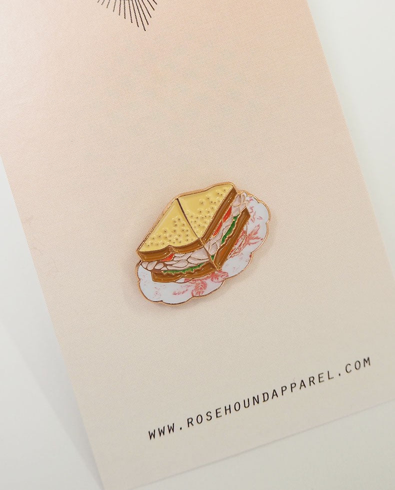 ROSE HOUND APPREL : TURKEY SANDWICH LAPEL PIN / WHITE