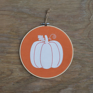 hoop_wreath_pumpkin