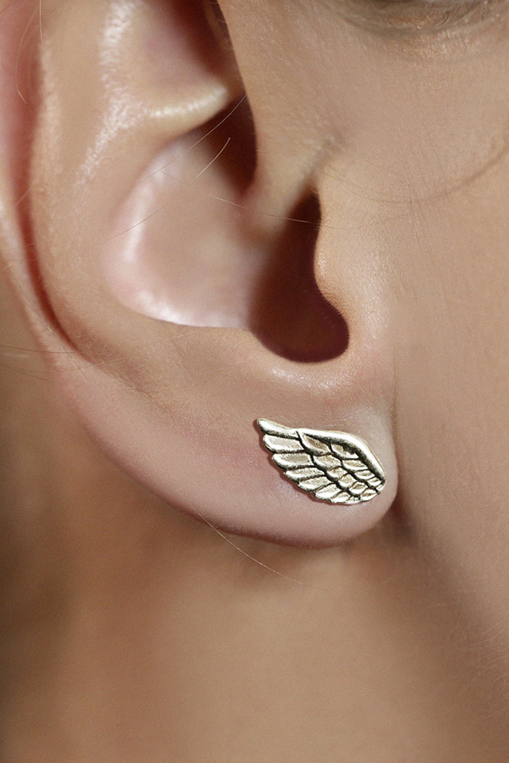 Wing Silver Single Stud