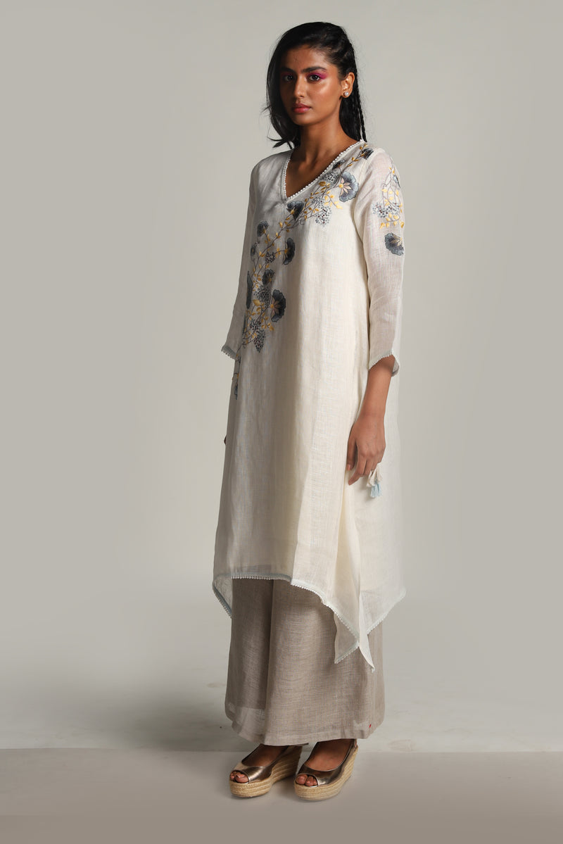 Garden of Eden Fly free tunic off-white-Tunics-KAVERi