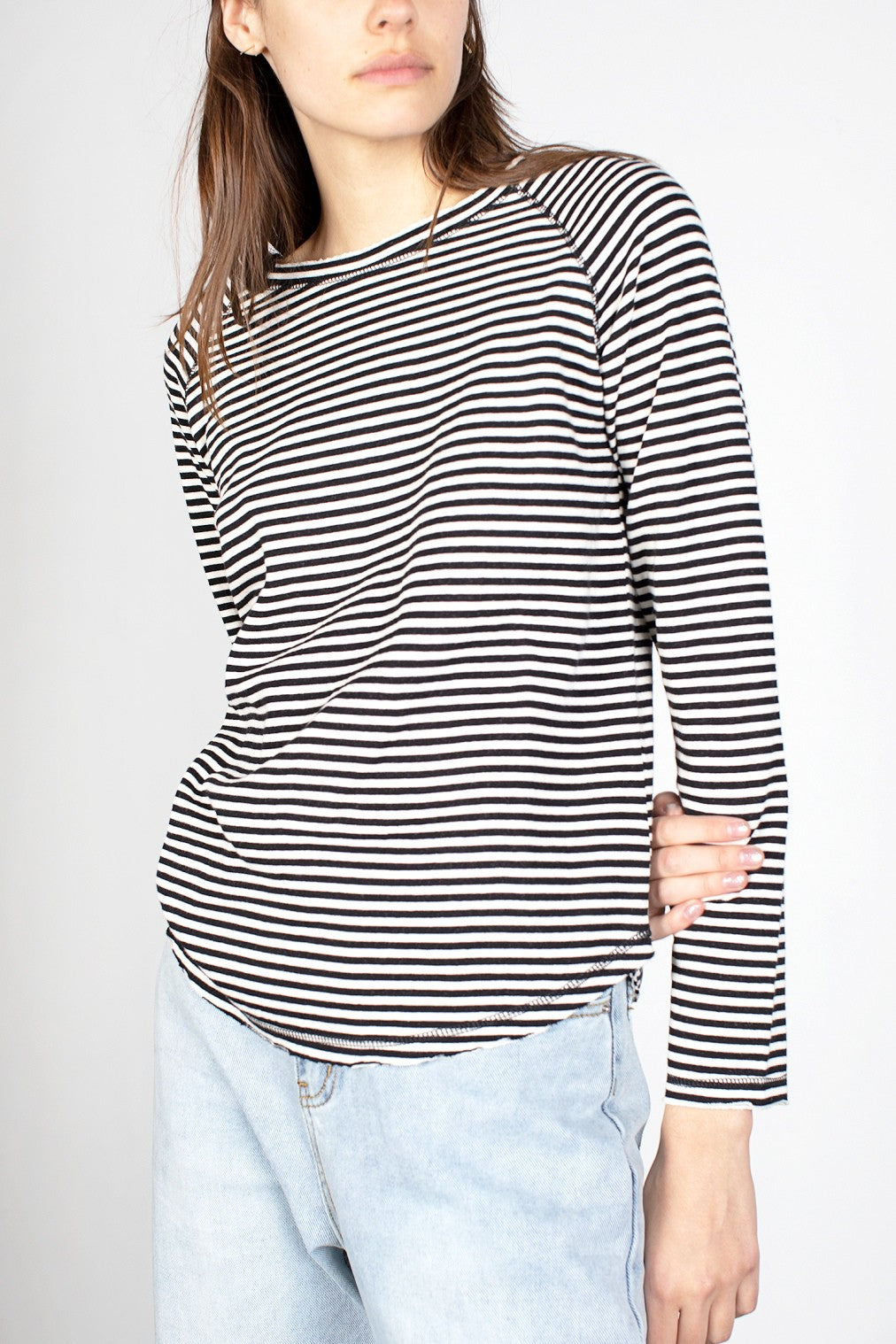 BLACK AND IVORY STRIPED LONG SLEEVE TEE
