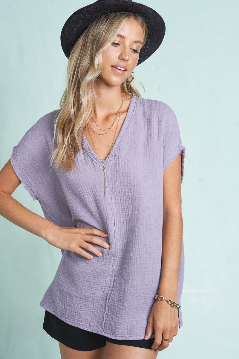 LAVENDER V-NECK EXPOSED SEAM TOP