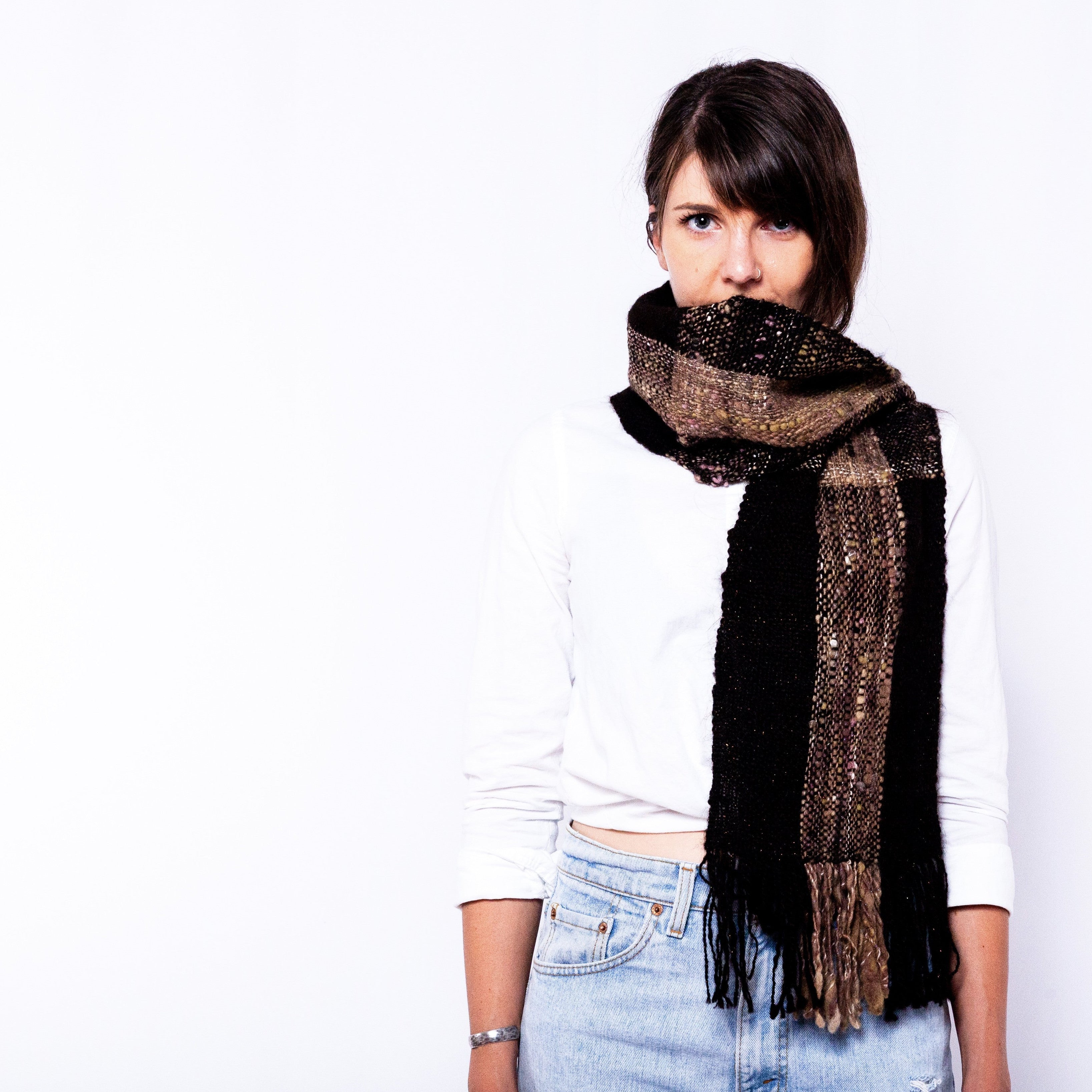 La Couleur du Ciel, Deep Earth Scarf