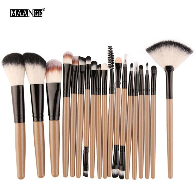 18 Pc Makeup Brush Set