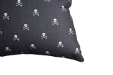 Más Amor Por Favor - Skull Pillow Cover, Black