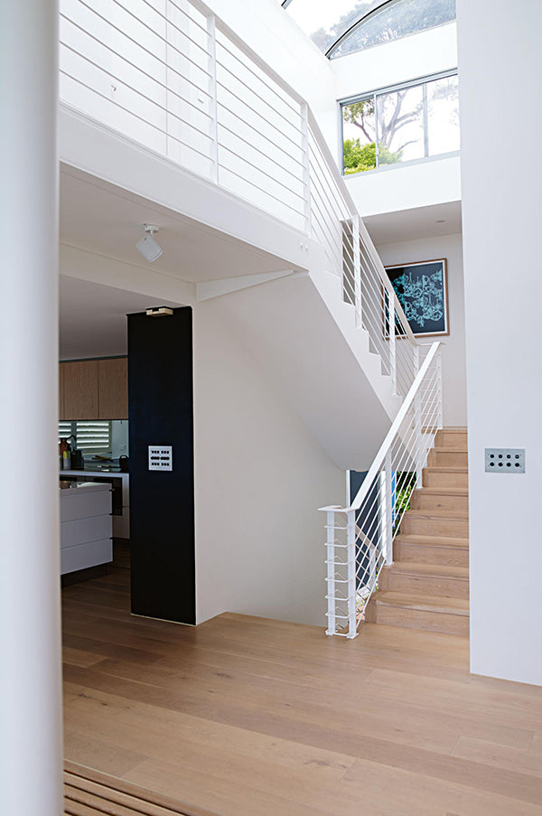 designer-beach-house-staircase