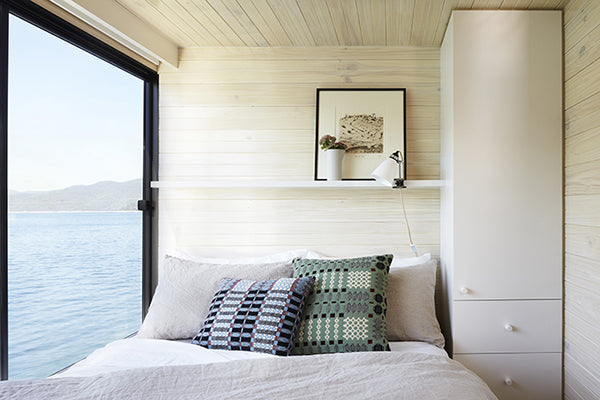 house-boat-bedroom