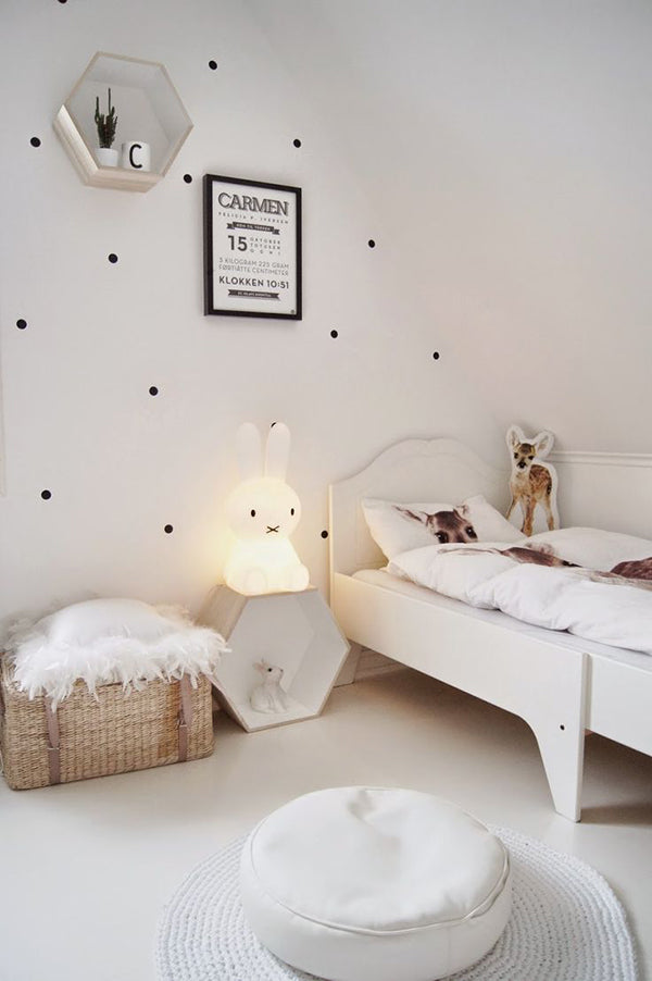 kids-bedroom-furniture-and-ottoman