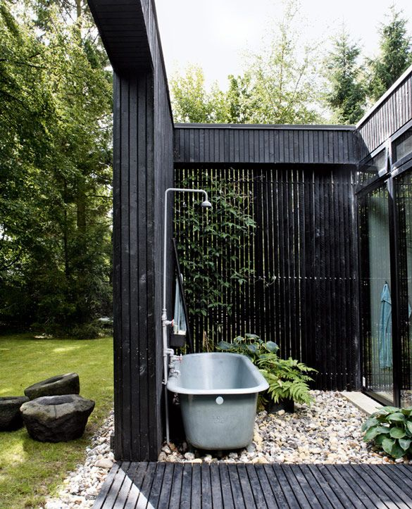 luxury-outdoor-shower