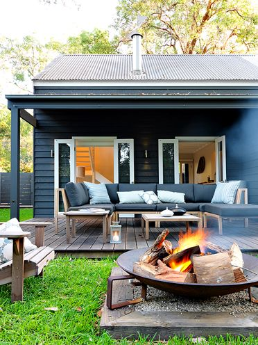 outdoor-furniture-and-fire-pit
