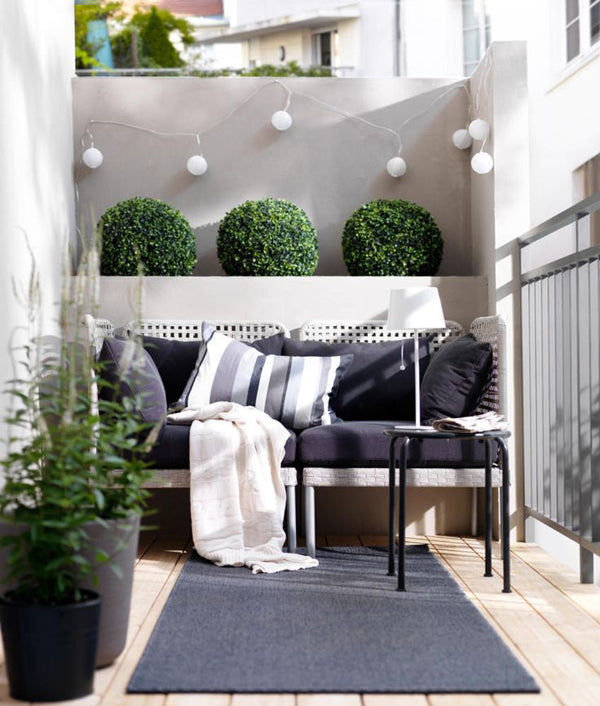 outdoor-plants-outdoor-furniture