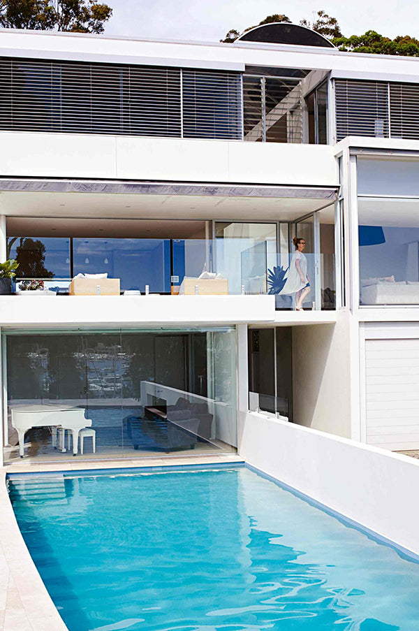 pool-house-outdoor-furniture
