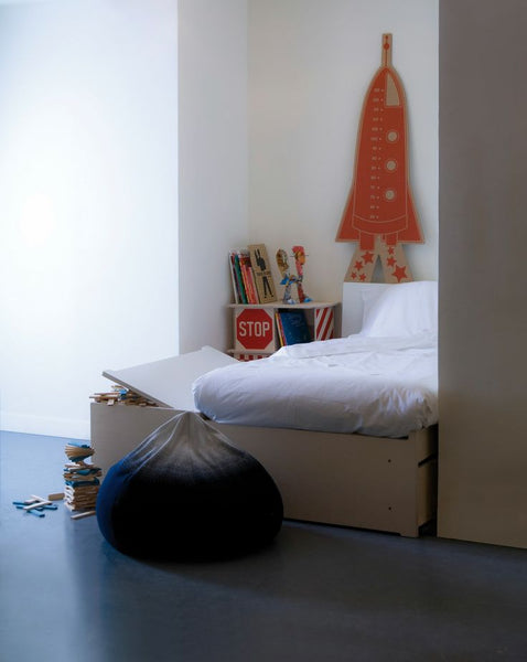 kids bedroom with beanbag chair