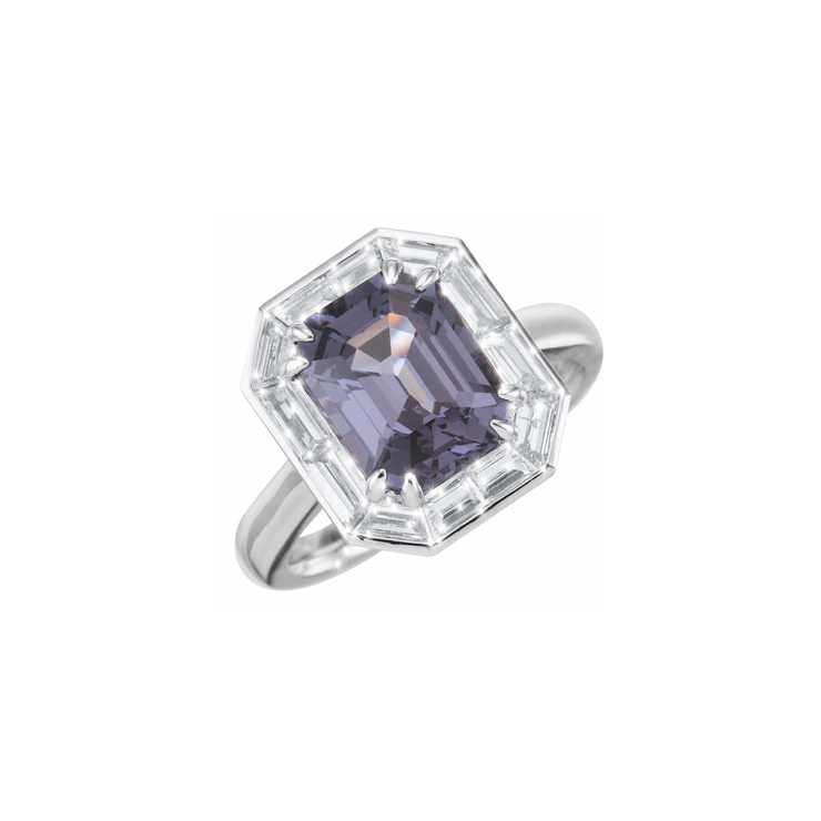 For this beautiful piece of jewellery, Oliver Heemeyer combined sparkling baguette cut diamonds with a colorful and alluring greyish-blue spinel, set in 18k white gold.