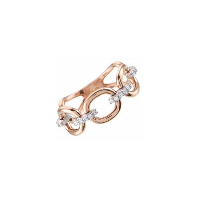 The Oliver Heemeyer Chain ring is a cool design mixed with subtle sparkle. Made of 18k rose gold the links between the movable chain pieces are set with 24 diamonds.