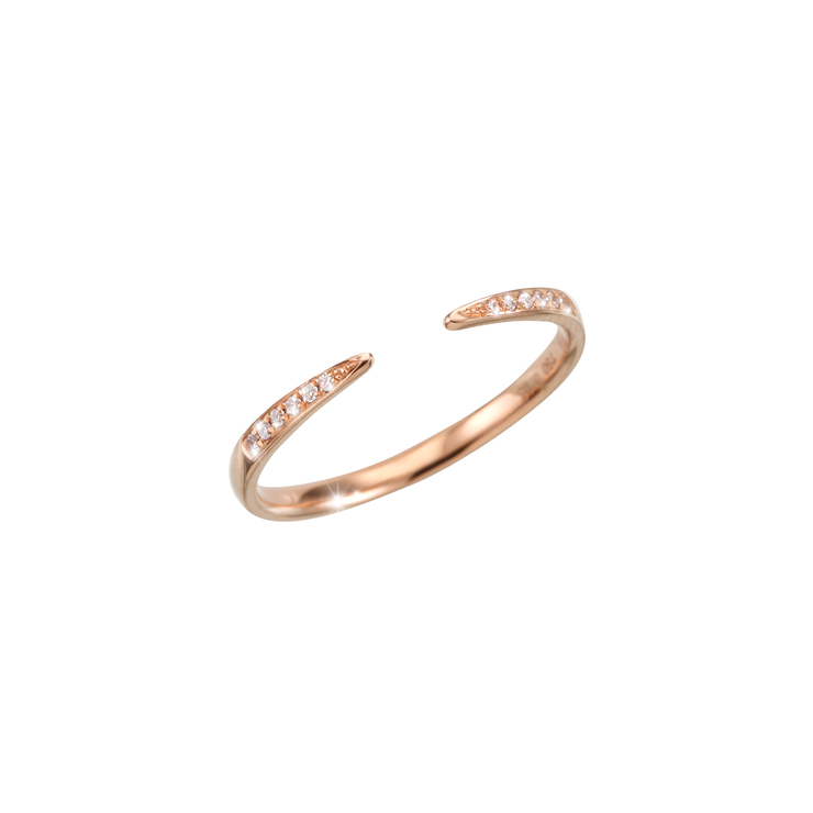Adorned with precious subtle diamonds and made out of 18k rose gold, the Cloe open diamond ring is an excellent choice of everyday diamond jewellery.